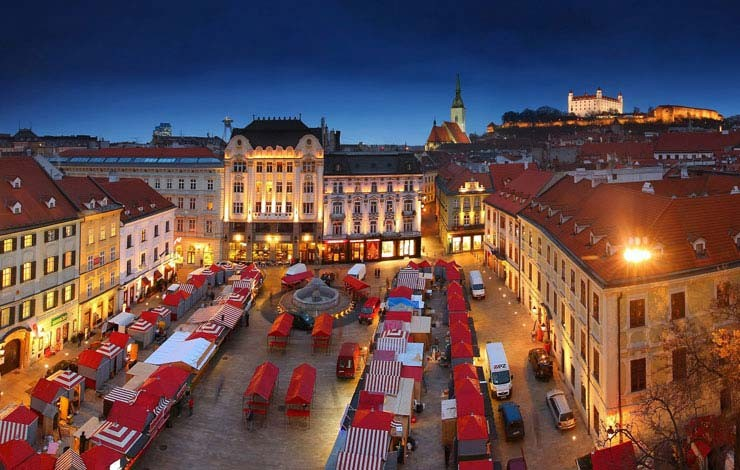 Christmas Bratislava.Bratislava Christmas Markets 2017 Hotel Danubia Gate